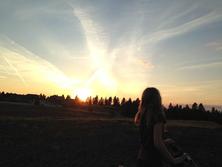 sunset-chasing-light-goldenhour-emily-munn